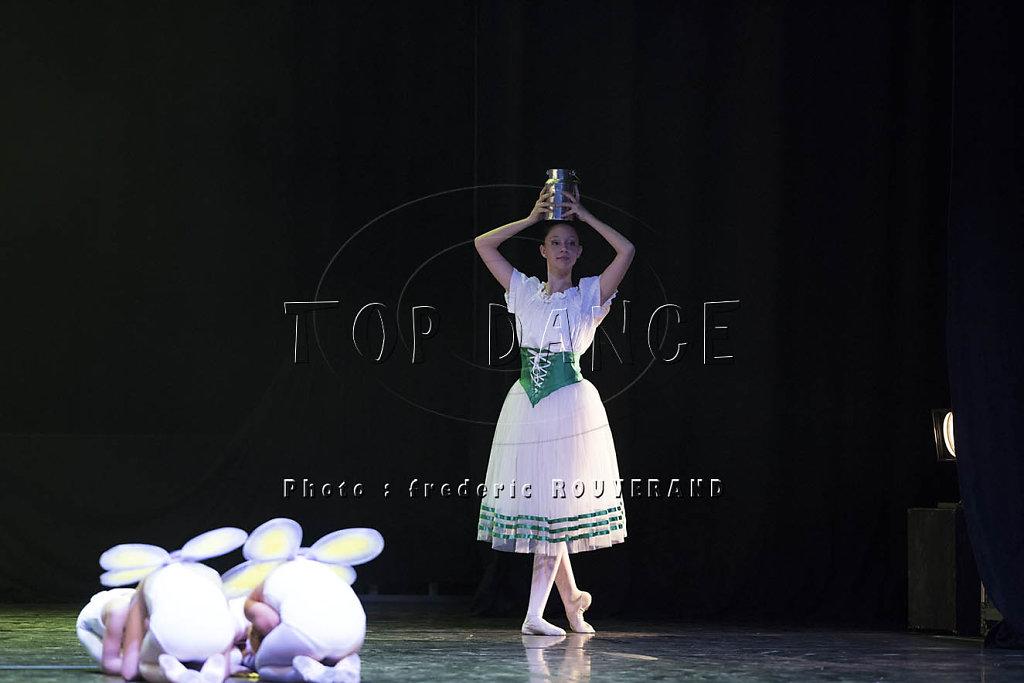 TOP-D-0352.jpg